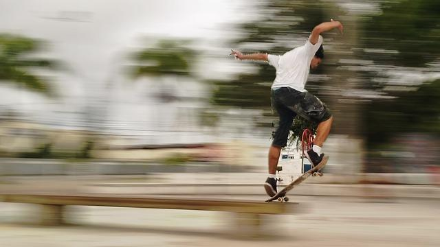 skateboard-423799_640