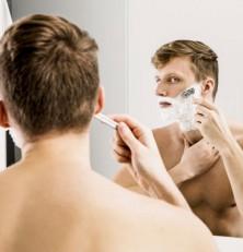 Hombres, la foliculitis, o pelos enquistados, es cosa del pasado