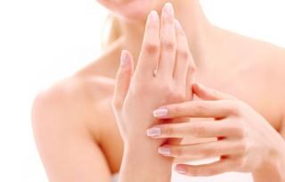 Cómo cuidar manos y uñas en primavera